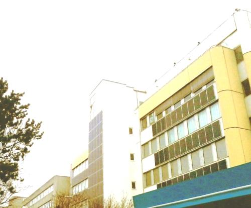 zeitlager_mit_solarzellenfassade_boschetsr